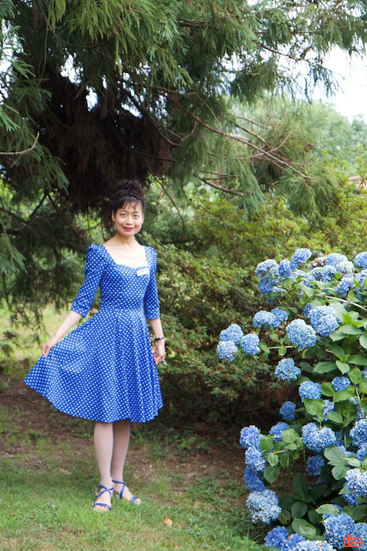 Rosa and blue flowers. We stopped at a winery for a group lunch.